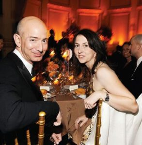 21. Jeff and MacKenzie Bezos in 2009